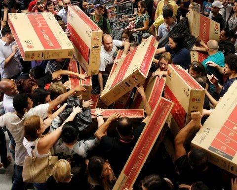 Чорна п'ятниця: за дві хвилини покупці витратили понад мільярд доларів