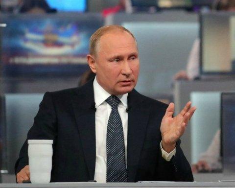 """У мережі побачили ще одного """"двійника"""" Путіна: він потрапив на фото"""