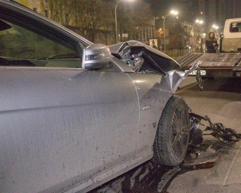 У центрі Києва «збили» дипломата: всі подробиці та кадри з місця НП