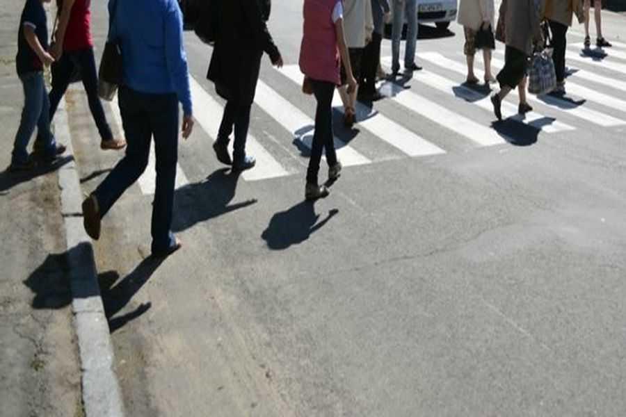 Під Києвом люди перекрили дорогу: відео того, що відбувається