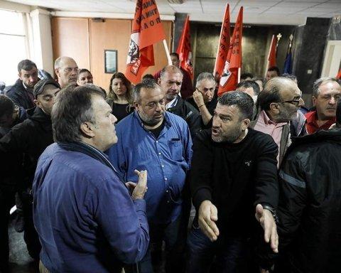 Десятки протестующих взяли штурмом Министерство труда: первые подробности