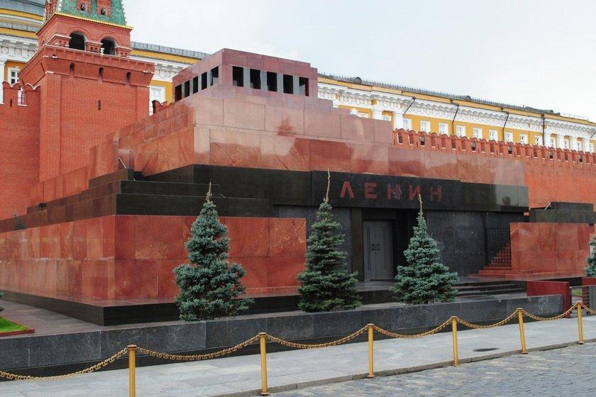 """У Путіна зібралися поховати Леніна: ким замінять """"вождя пролетаріату"""" у Мавзолеї"""