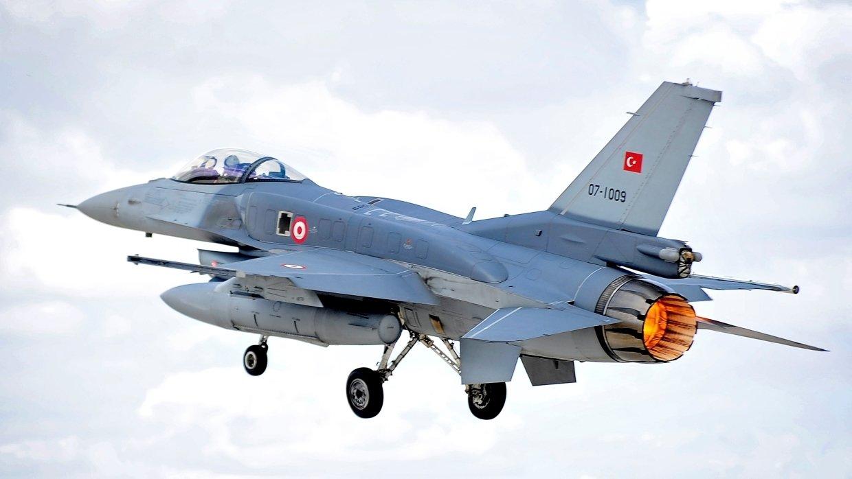 В Турции произошла авиакатастрофа: причины неизвестны, началась спасательная операция