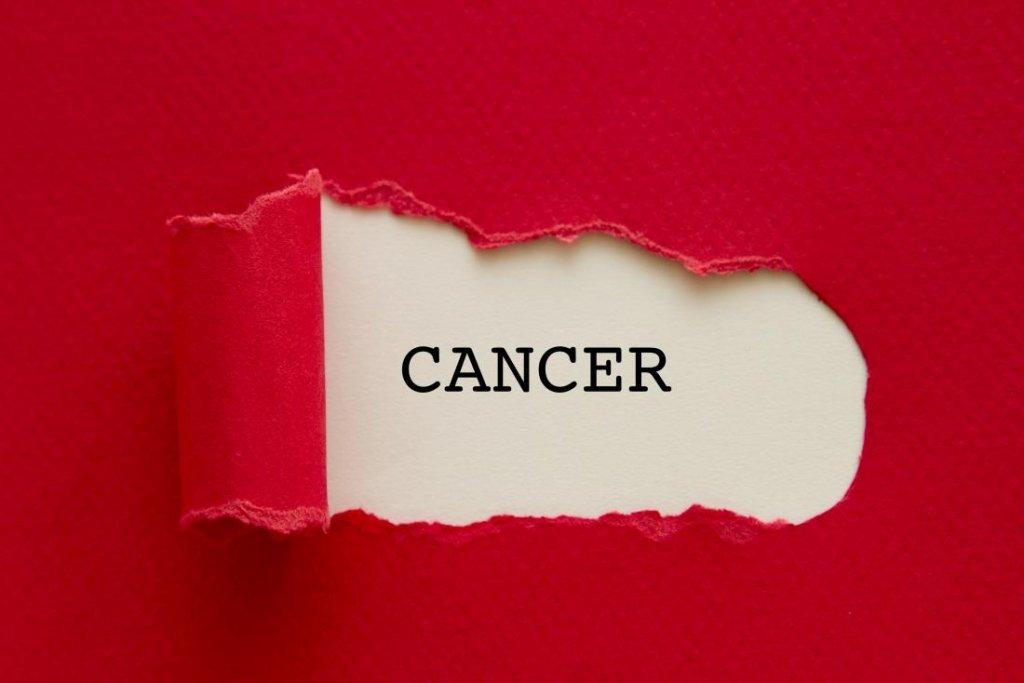 Тысячи украинцев узнают, что у них рак: как уберечься от онкологии, простые правила
