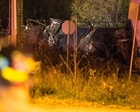 В Канаде ЧП: сошел с рельсов поезд с химикатами