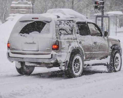 Синоптики розповіли, кого засипле снігом: свіжий прогноз для України