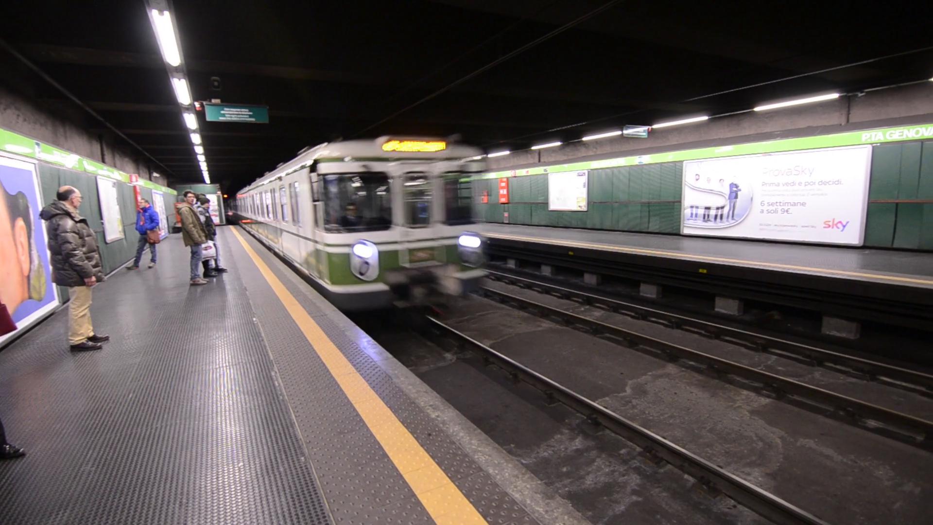 В італійському метро сталася НП з потерпілими: опубліковано відео