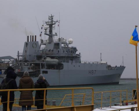 Попередження Путіну: британський міністр оборони сів за штурвал українського військового катера
