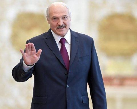 Для Лукашенка приготували аргументи: Росія направила військову техніку в бік Білорусі