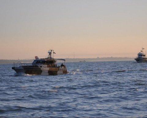 Россия стала менее наглой в Азовском море и пытается отомстить Украине