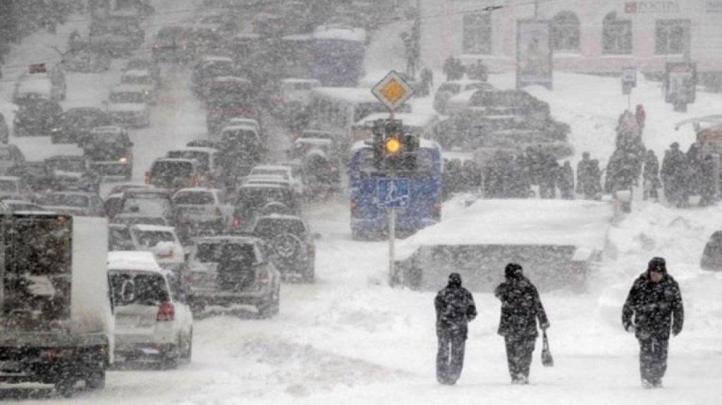Снігопади і невеликі морози: в Укргідрометцентрі дали прогноз на грудень