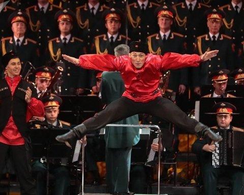 Лапи геть від України: ансамблю російської армії влаштували пекельний прийом у Польщі, відео
