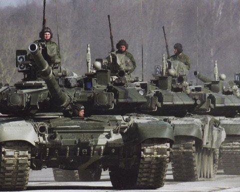 Росія масово перекидає до Криму військову техніку: з'явилось відео