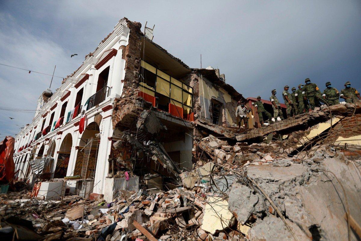 У Франції стався потужний землетрус, з'явилася загроза цунамі: перші подробиці