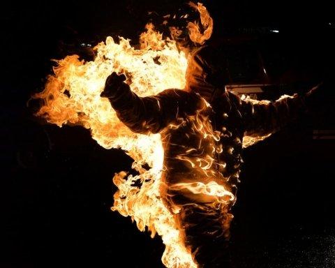 На Дніпропетровщині чоловік підпалив дружину і сина: страшні подробиці трагедії