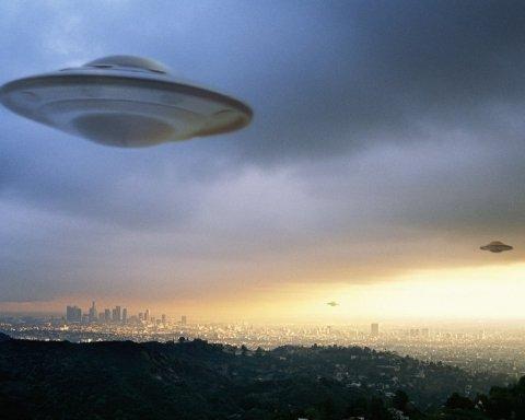 В Киеве увидели НЛО: опубликованы фото