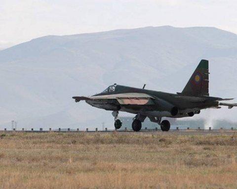 Над российской военной базой исчез штурмовик СУ-25: первые подробности