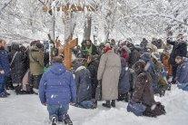 Томос для Украины: сторонники УПЦ МП стали на колени
