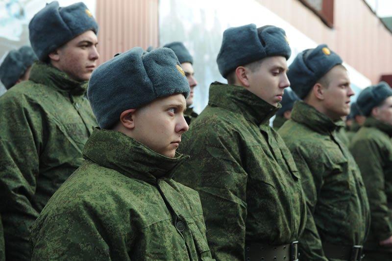 Российские оккупанты забрали крымчан в свою армию: названо количество «призывников»