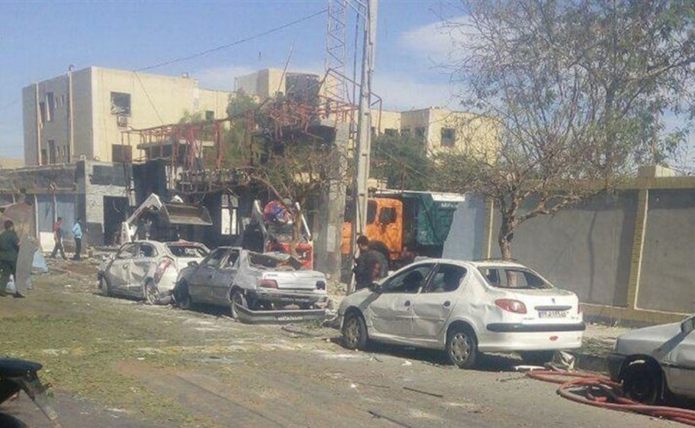 Постріли та дим до небес: в Ірані стався теракт