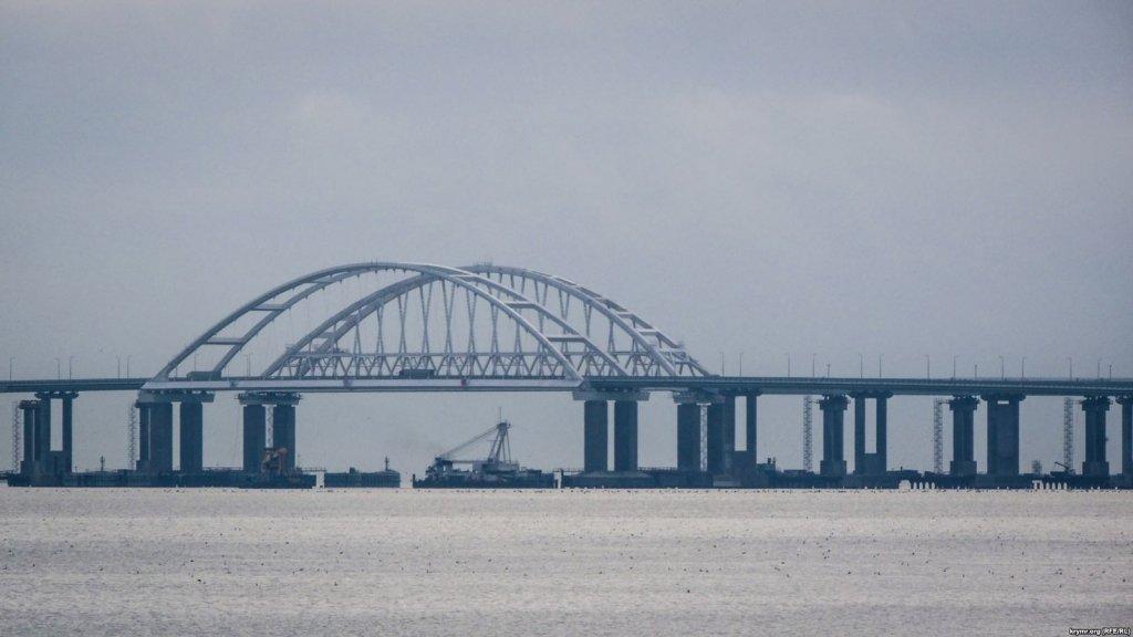 Источник счастья для оккупантов: в сети объяснили суть Керченского моста