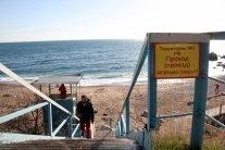 Окупанти відібрали у кримчан море: обурені мешканці показали фото
