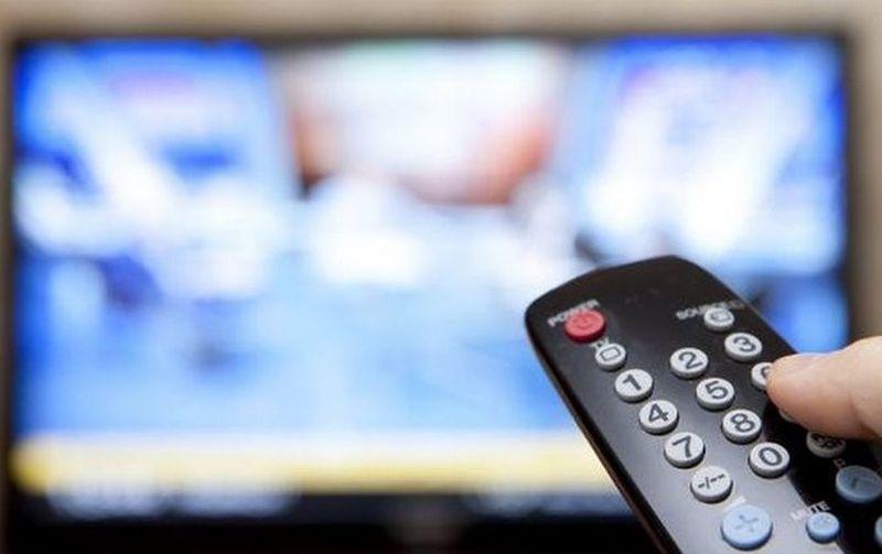 Депутаты устроили историческую драку в эфире ТВ: появилось видео