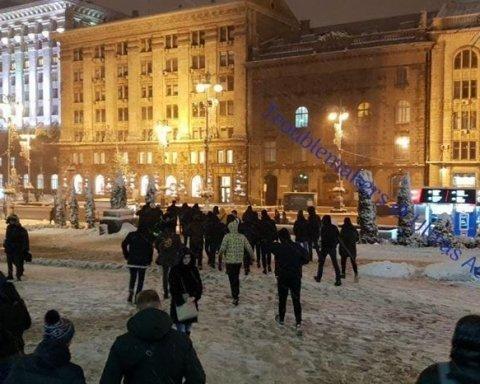 В центре Киева произошла массовая драка с участием иностранцев: появилось видео момента