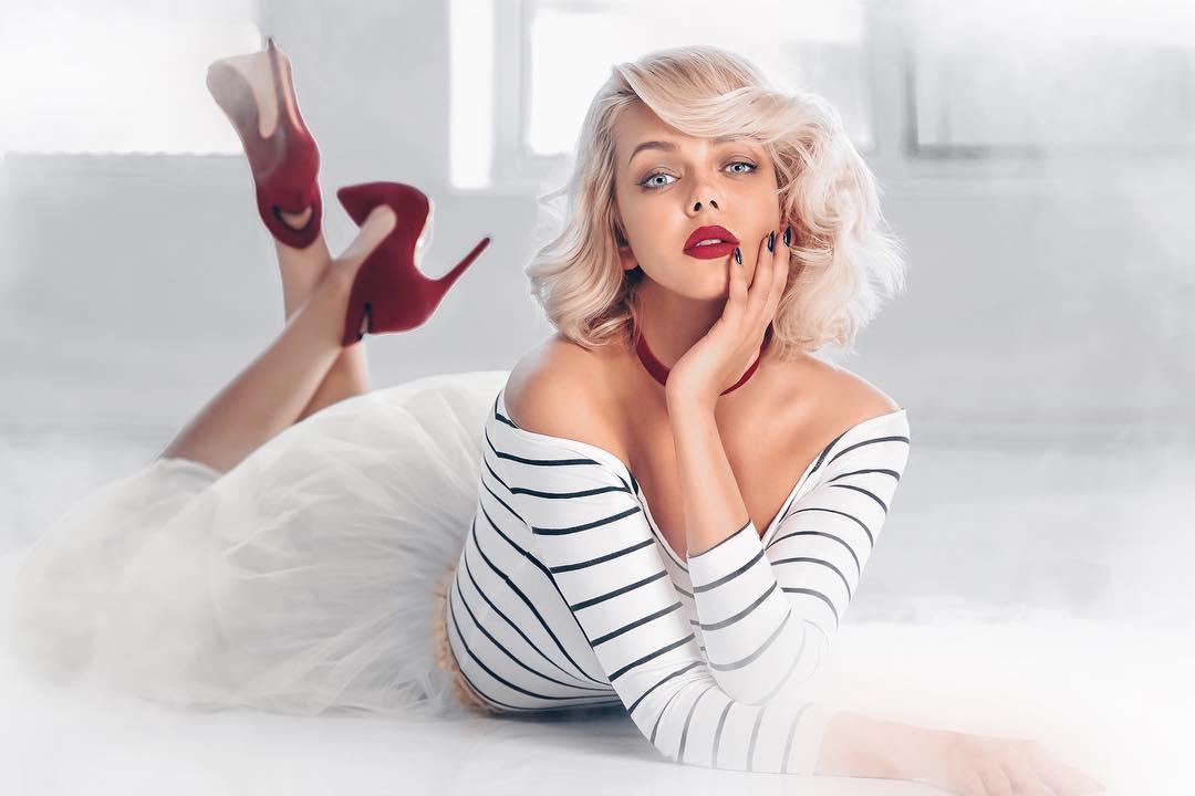 Українська співачка, яка втекла до Росіїї, показала фото в ліжку