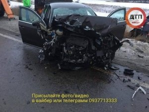 На українській трасі сталася смертельна аварія: фото з  місця ДТП