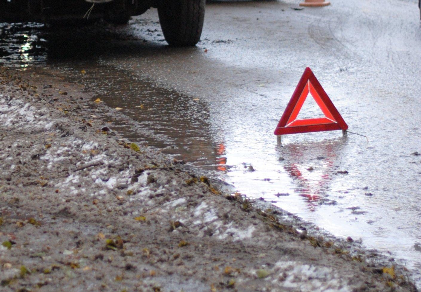 Через скандал з пасажиром водій маршрутки протаранив поліцейське авто