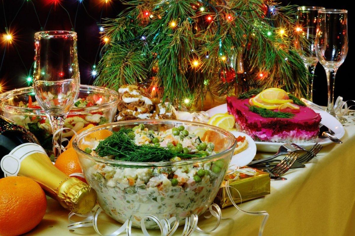 Готуйте гаманці: скільки грошей доведеться віддати українцям за новорічний стіл