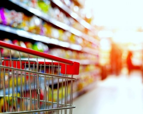 Ціни злетіли: названо продукти, що значно подорожчали в Україні
