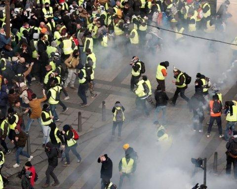 Протести у Франції: відома російська пропагандистка влаштувала істерику через заяву Макрона