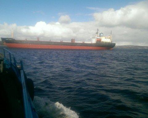 Російське судно потрапило у халепу біля берегів Великої Британії: з'явилося фото