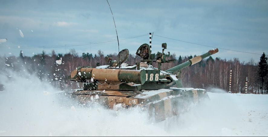 На Донбасі зафіксували колону російських танків: з'явилося відео