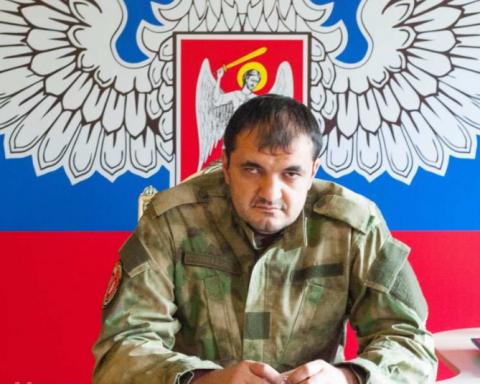 Боевики «ДНР» странно почтили память своего мертвого главаря: в сети высмеяли фото