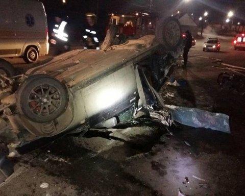 В українському місті сталася смертельна ДТП  фото та відео з місця аварії f09250d4a9db4