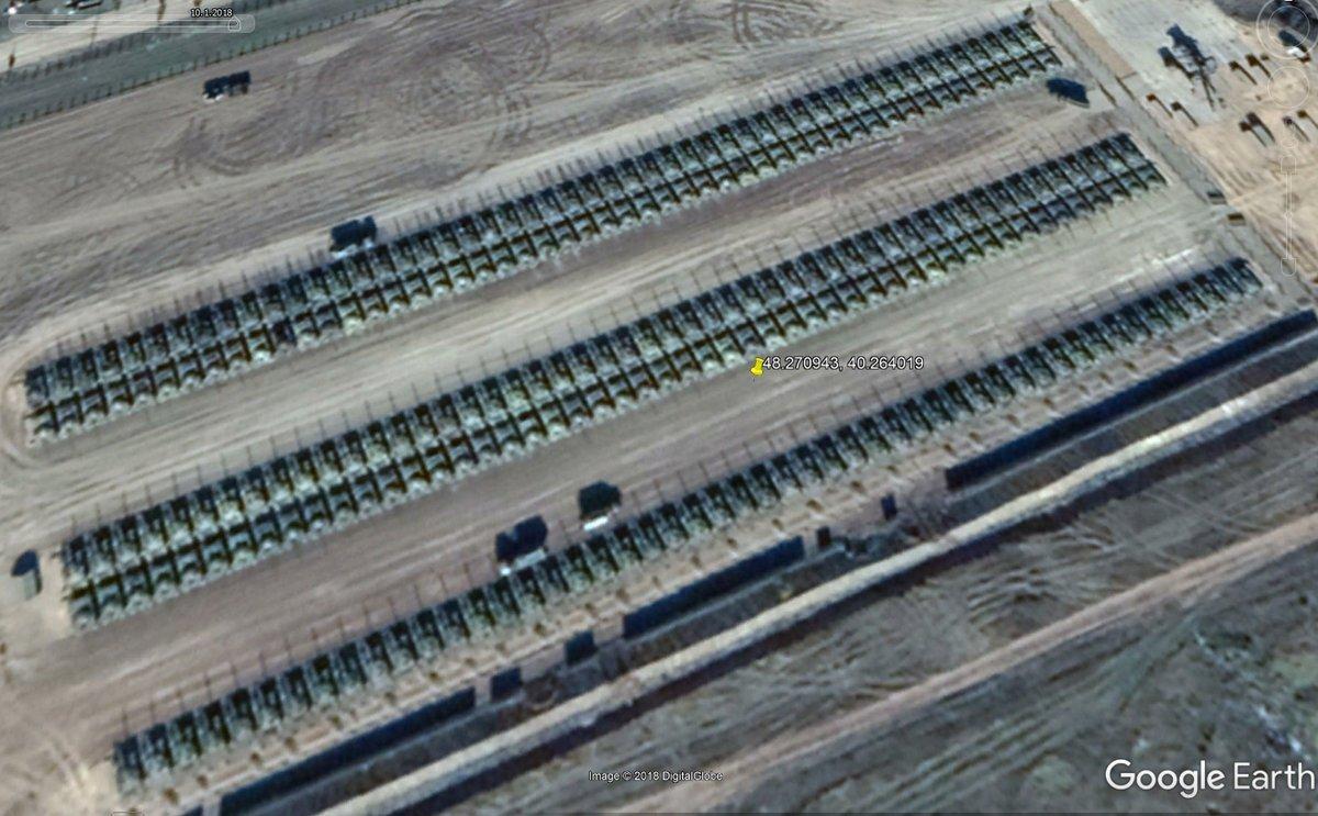 Росія масштабно стягнула танки до кордону з Україною: опубліковано фото з висоти