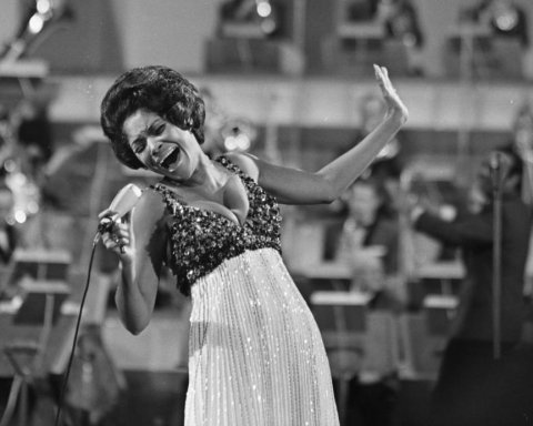 Померла легендарна джазова співачка