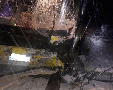 Моторошна смерть під колесами автобуса: всі подробиці загибелі військових під Львовом