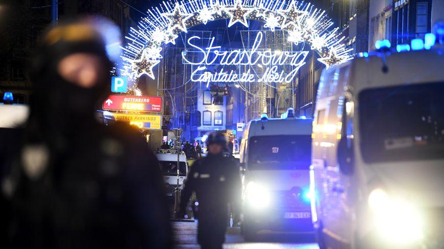 Толпы силовиков и пустые улицы: как выглядит Страсбург после бойни