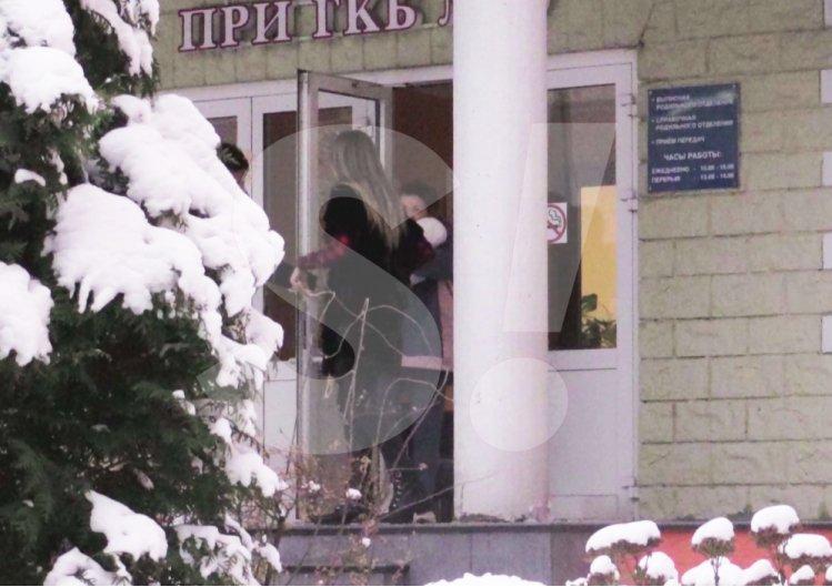 Влад Топалов забрав Регіну Тодоренко з сином із пологового будинку: опубліковано фото