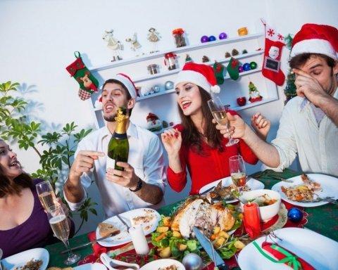 Як не отруїтися на Новий рік: корисні поради, які вбережуть здоров'я