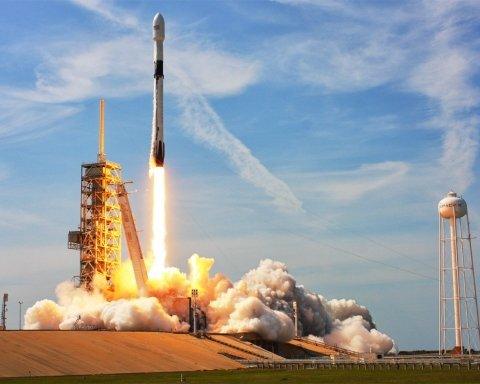 SpaceX запустила важливу ракету з військовою місією: з'явилося відео