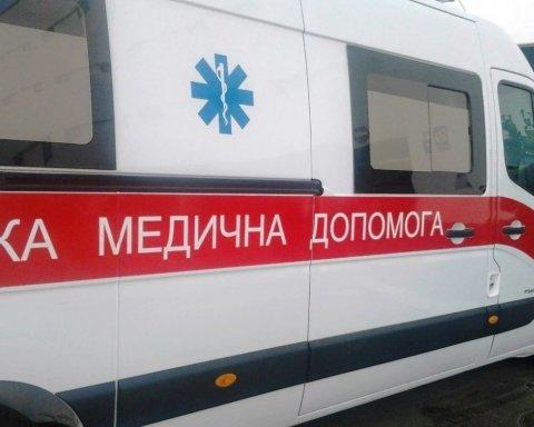 У київському метро помер чоловік: подробиці і фото з місця трагедії