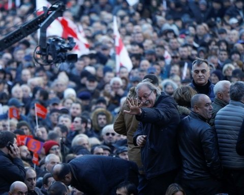 У Грузії зібрався масштабний протест через вибори: подробиці і фото