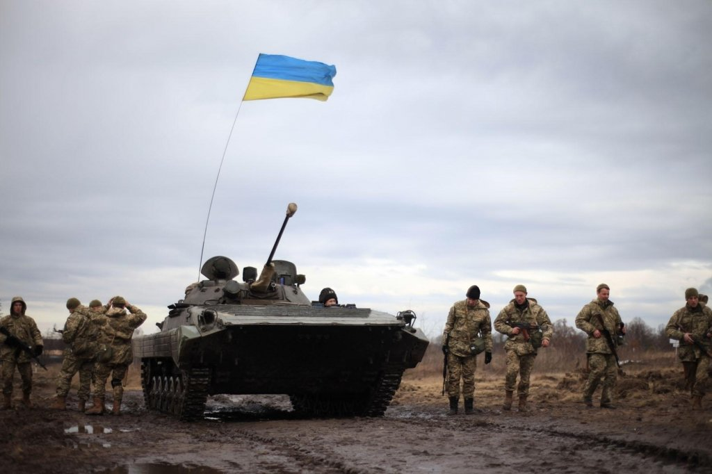 """""""На Донбасі не війна, а конфлікт"""": в Україні зажадали змінити підручник з історії (відео)"""