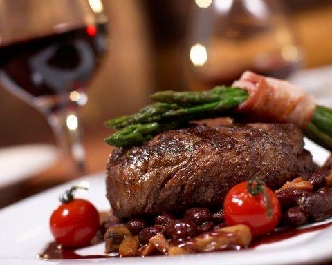 Яке м'ясо викликає проблеми з серцем і рак: опубліковано тривожні дані дослідження