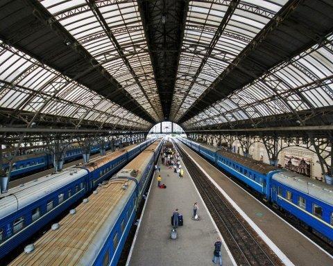 Коли та на скільки: Укрзалізниця готується підняти ціни